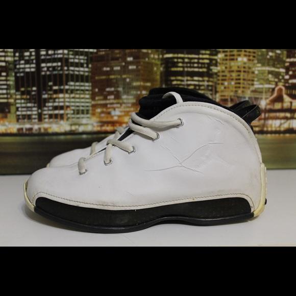 Air Jordan Og Retro 18.5 White Collectors Sneaker